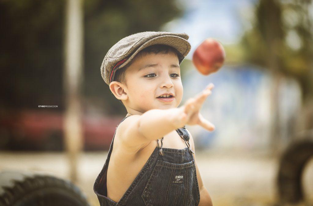 Produkter som lär barnet att äta själv